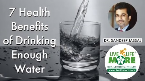 7 Health Benefits of Drinking Enough Water